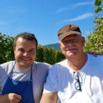 Arnaud Baur en Arend Jan de Wijnman in de wijngaard