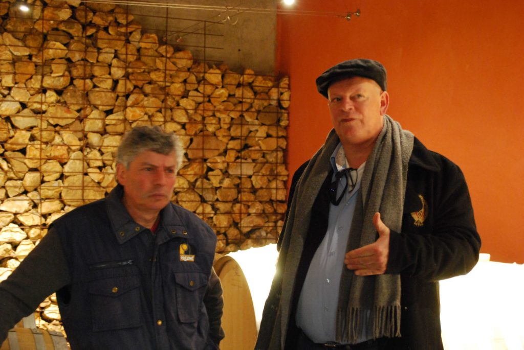 Alain Cailbourdin en Aren Jan de Wijnman in de kelder van Domaine Cailbourdin
