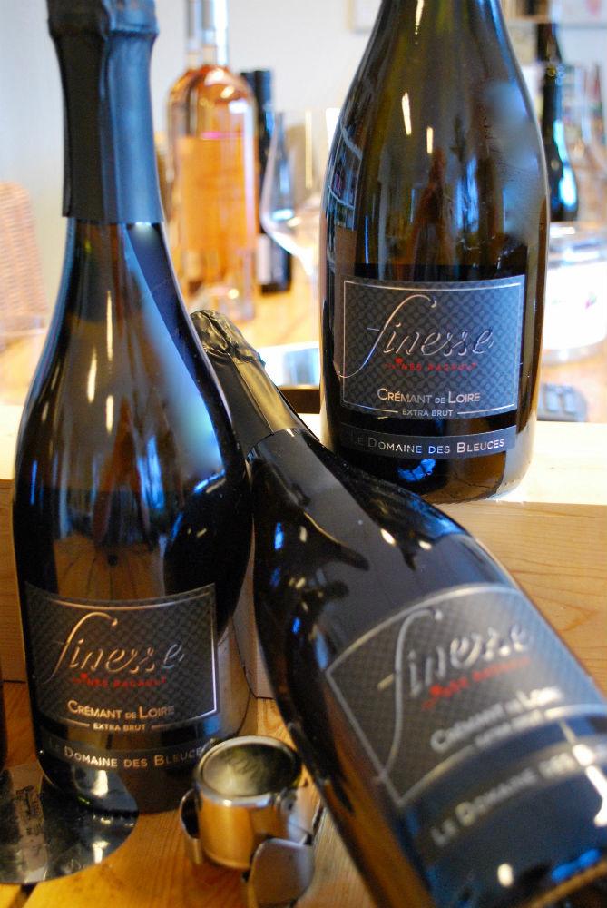 flessen met Crémant de la Loire van domaine des Bleuces