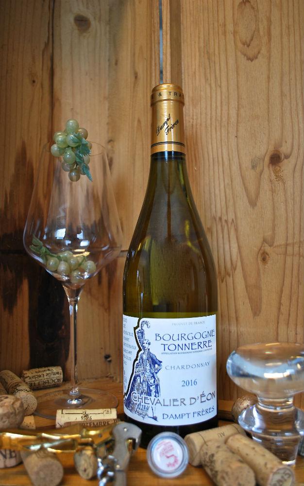 fles bourgogne blanc, Tonnere-Chevalier D'eon