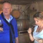 Arend Jan de Wijnman proeft wijn bij domaine Chantegut