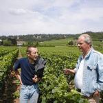 Arend Jan de Wijnman met Laurent Parize in de wijngaard