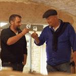 Pierre Desroches en Arend Jan de Wijnman heffen het glas