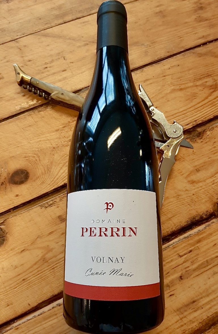 Fles Volnay Cuvée Marie van Domaine Perrin
