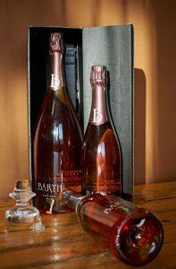 een magnum en een gewone fles Brût Pinot Noir van Weingut Barth